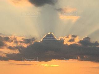 空には雲のグループの写真・画像素材[961541]
