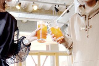 女子会イベント、乾杯シーンの写真・画像素材[2504472]
