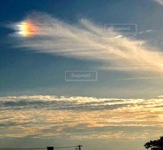日没時の空の雲のクローズアップの写真・画像素材[2439211]