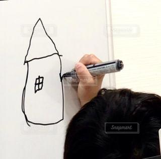 屋内,子供,ペン,男の子,手書き,紙,おえかき,おうち時間,ホワイト ボード