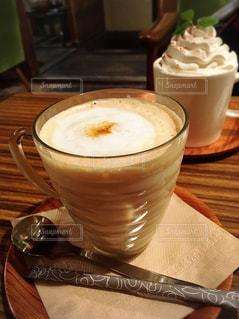 飲み物,茶色,ほうじ茶ミルク,ほうじ茶ラテ,ミルクティー色,ほうじミルクティー