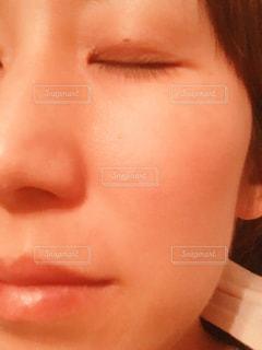 顔のアップの写真・画像素材[2320276]