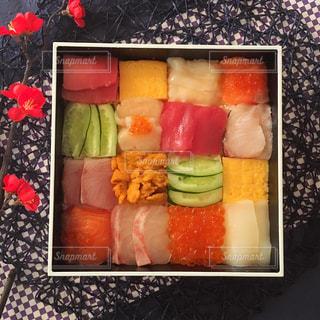 料理の種類でいっぱいのボックスの写真・画像素材[952342]