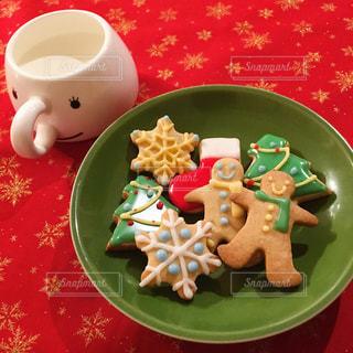 食品とコーヒーのカップのプレートの写真・画像素材[952343]