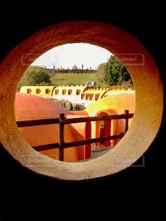 窓から見るの写真・画像素材[1027770]