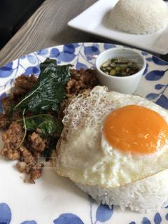 ランチ,タイ料理,ガッパオ