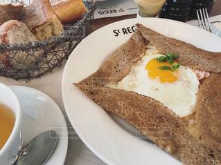 カフェ,フランス,パリ,ブランチ,ガレット,おしゃれ,マレ,Cafe St.regis