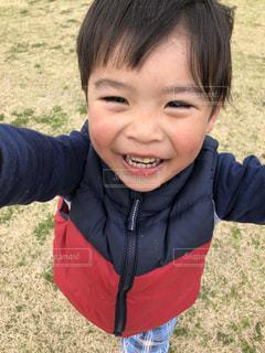 小さな男の子の写真・画像素材[1371657]
