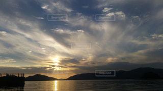 夕日と海の写真・画像素材[1390456]