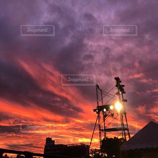 ピンク色の空の写真・画像素材[961765]