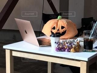 かぼちゃがパソコンの写真・画像素材[2503629]