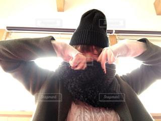 女性,冬,コート,マフラー,帽子,ニット,寒さ,寒さ対策,萌え袖