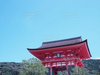 大きな赤い建物の写真・画像素材[992708]