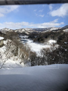 雪の覆われた山々 の景色の写真・画像素材[1733508]