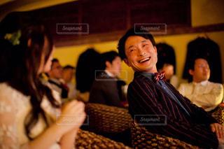 レストランに座っている女性の写真・画像素材[783123]