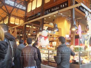 男性,後ろ姿,男,市場,雪だるま,スペイン,マーケット,マルシェ,スノーマン,男の人