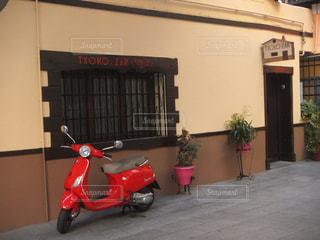 海外,赤,窓,バイク,ヨーロッパ,景色,植木鉢,外国,旅行,植木,スペイン,入り口,海外旅行,通り,ひとり旅,マドリード,原付