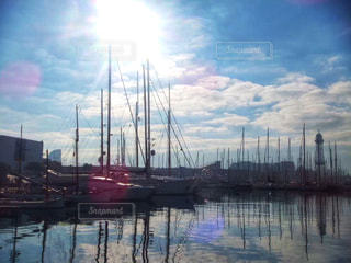 風景,空,屋外,海外,太陽,雲,ボート,晴れ,青空,晴天,船,水面,海岸,日光,ヨーロッパ,景色,反射,光,逆光,旅行,旅,港,フランス,景観,眺め,日中,ディエップ
