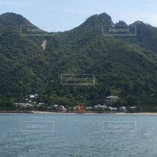 釈迦が横たわる島 世界遺産宮島の写真・画像素材[787022]