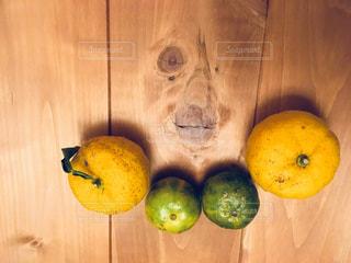 食べたいのは柚子それともシークワーサー?の写真・画像素材[905428]