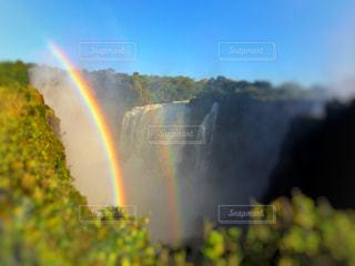 ビクトリアの滝をバックに虹の二重橋の写真・画像素材[787262]