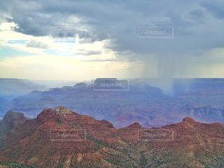 大雨と晴天の写真・画像素材[826569]