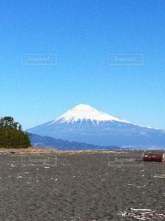 背景の山と水体の写真・画像素材[798002]