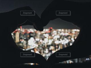 夜景,カップル,手,ハート,デート,ジェスチャー