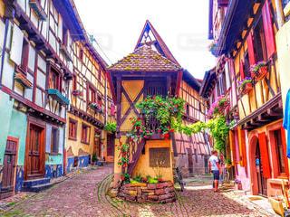 フランスの田舎町エギスハイムの写真・画像素材[791241]