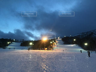 ナイター前のスキー場 in夏油の写真・画像素材[937016]
