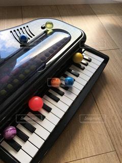 ピアノとボールの写真・画像素材[823304]