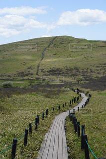 車山へ向かうなだらかな何処迄も続く山道の写真・画像素材[777752]