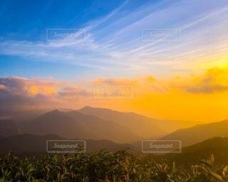 山の夕暮れの写真・画像素材[3401341]