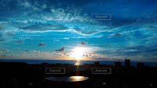 空と海とたいようの写真・画像素材[802438]