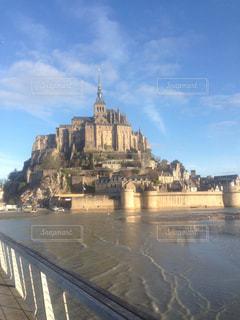 背景の水の城の写真・画像素材[812158]