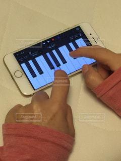 iPhoneでピアノの写真・画像素材[812008]