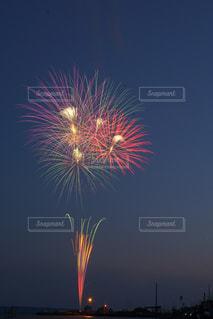空に花火の写真・画像素材[1310614]