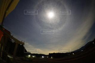 月の暈の写真・画像素材[2833447]