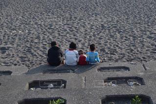 浜辺の人々のグループの写真・画像素材[2514711]