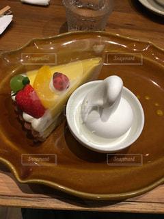 ケーキとアイスのセットの写真・画像素材[897398]