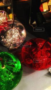 ガラスのリンゴの置物の写真・画像素材[935768]
