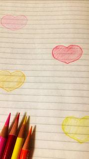 ピンク,赤,オレンジ,ハート,ノート,きいろ,4色,いろえんぴつ