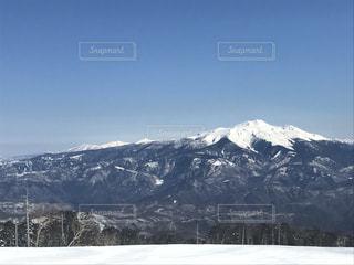 雪の覆われた山々 の景色 - No.933401