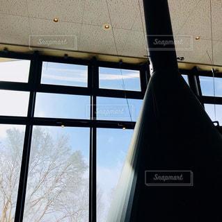 大きな窓の景色 - No.958508