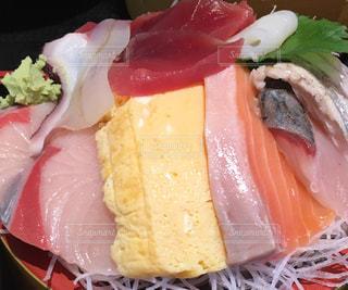 近くに寿司のアップ - No.785466