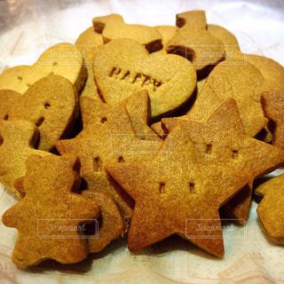 子供の手作りクッキーの写真・画像素材[820832]