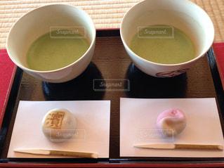 スープとコーヒーのカップのボウルの写真・画像素材[929083]
