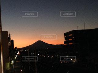夜の街の景色の写真・画像素材[1277996]