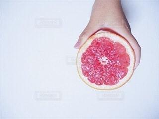 食べ物,手持ち,フルーツ,果物,人物,くだもの,甘い,ポートレート,グレープフルーツ,ライフスタイル,手元