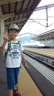 かわいい,ピースサイン,夏休み,新幹線,思い出,帰省,ハンドサイン,見て見て,はやて